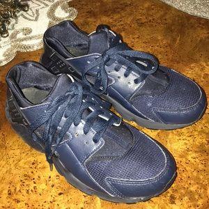 Nike Huarache Run-Size 6y